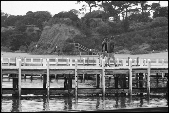 couple in rain, mornington